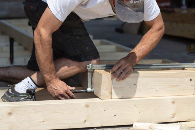 Roofing Contractor working in Hobart