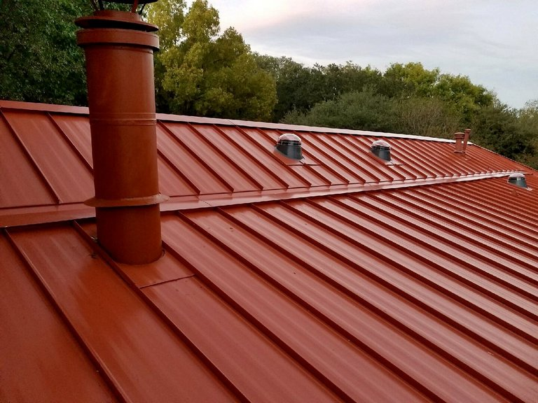 Fresh new roof after re-roof by Hobart roofing contractors